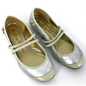 Juicy Couture Cream & Gold Charm Ballet Flats